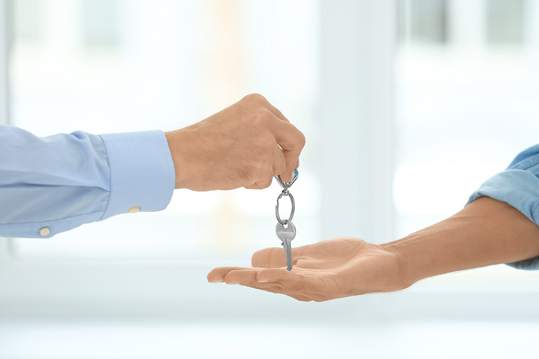 Property Purchase – Conveyancer Or Solicitor What Is The Difference?